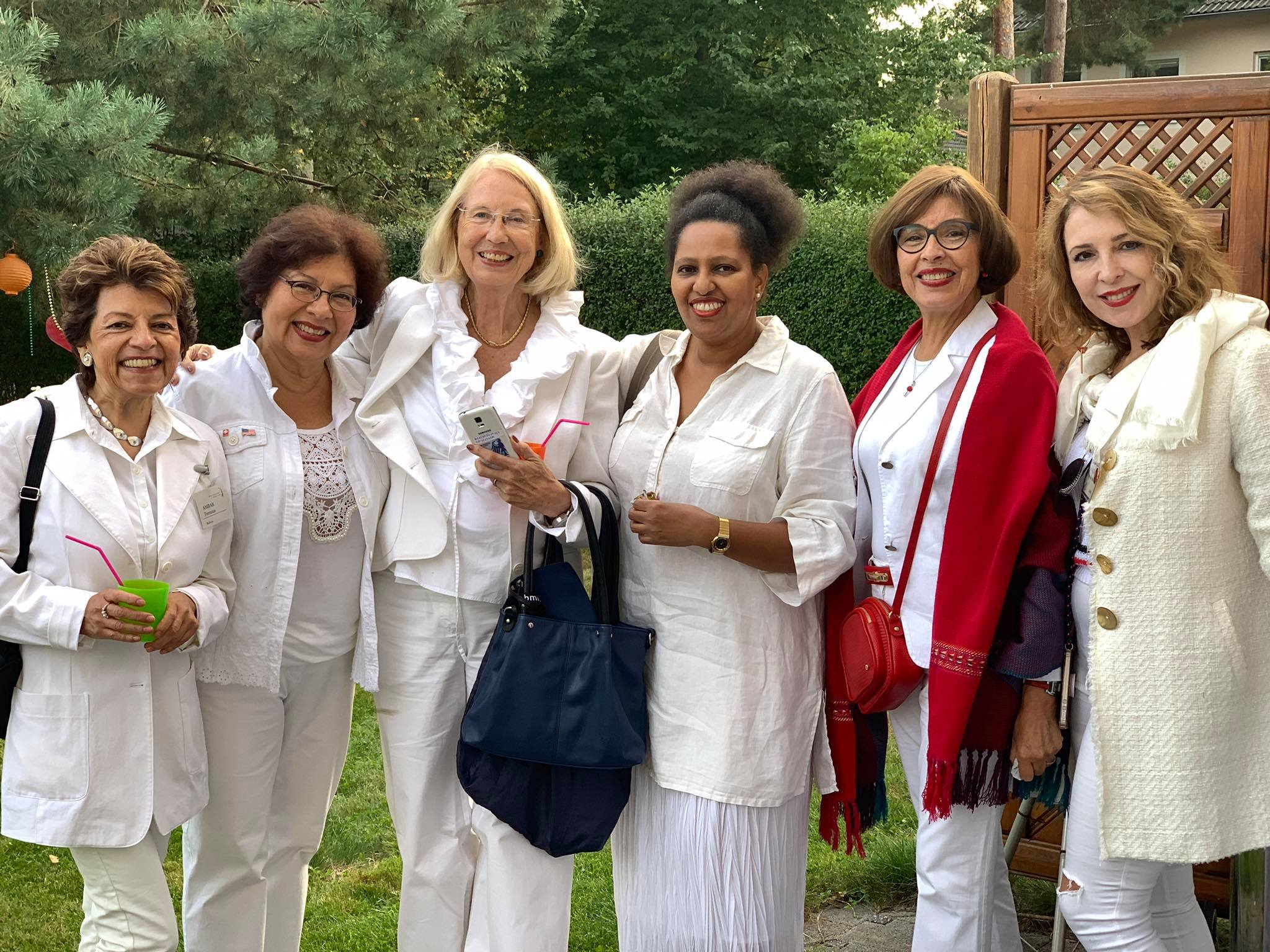 Members Garden Party in White 2019